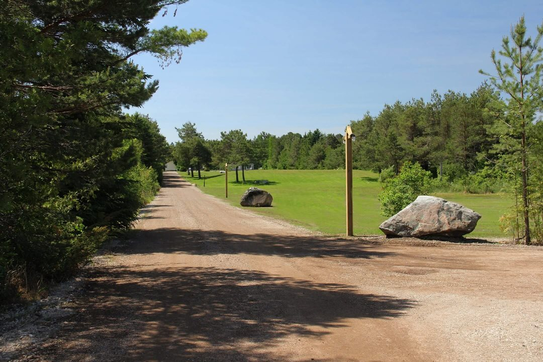 Photo of the driveway to Mackinac Lakefront Cabin Rentals in Mackinaw City, MI. © 2013 Frank Rogala.